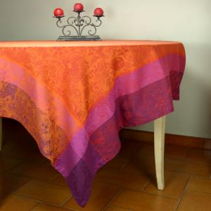 Lot Nappe 175x300 Provençale Jacquard et 8 serviettes colombe Rouges