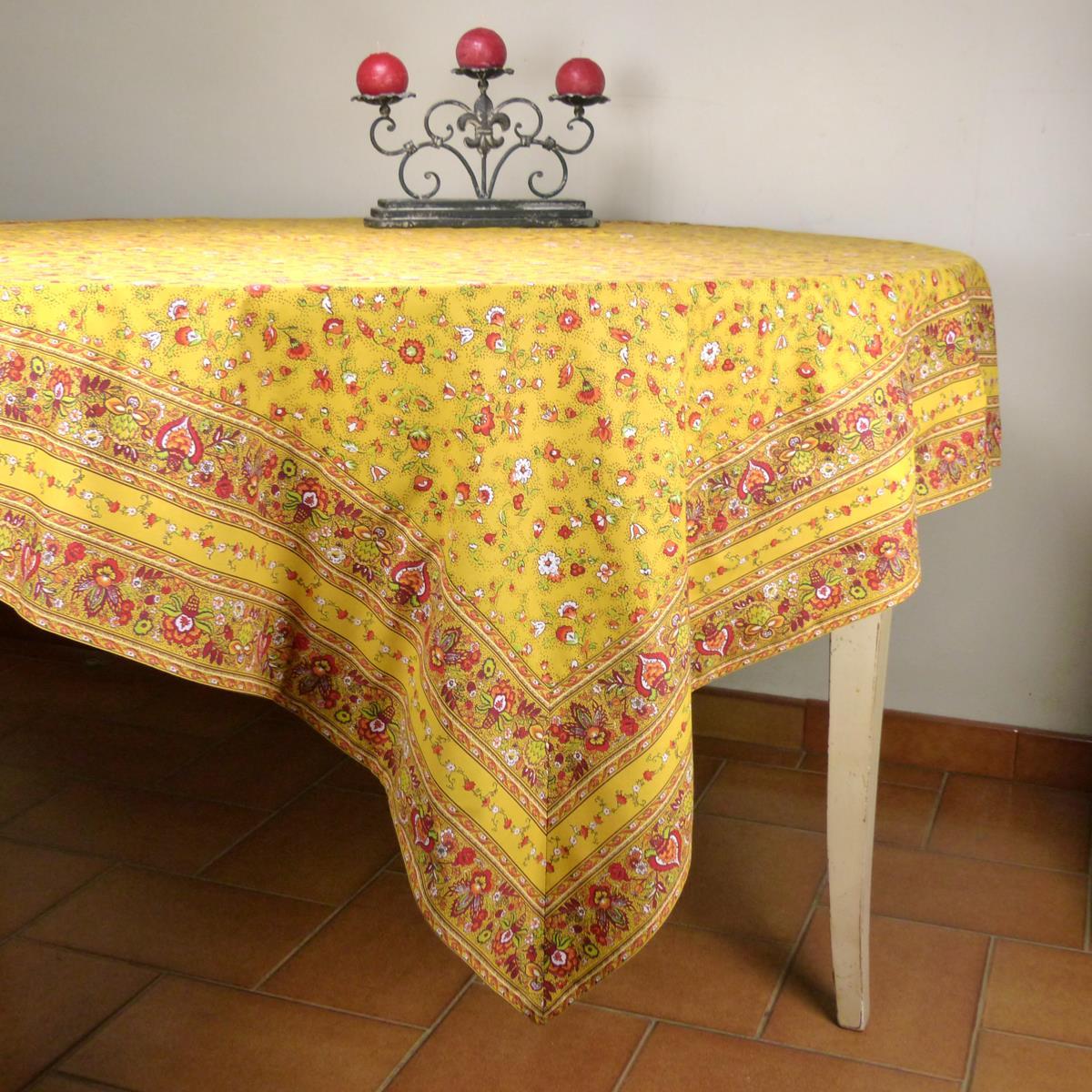 nappe carr e proven ale jaune motif champ tre nappe 100 coton fabrication fran aise. Black Bedroom Furniture Sets. Home Design Ideas