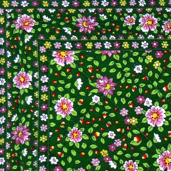 Set de table proven al en tissu matelass vert printemps for Set de table en tissus